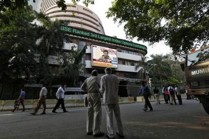 Sensex logs gains for 5th day in choppy trade, up 72 points