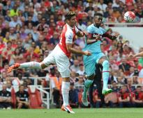 Reece Oxford offered new West Ham deal as Arsenal, Manchester United and Man City target teenager