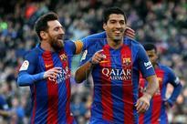 Barcelona thrashes Las Palmas, continues chasing Real Madrid