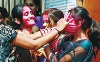 No regional bias this Holi for Chennaiites