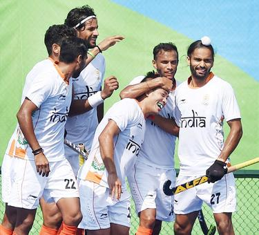 Hockey: India survive late onslaught to beat Argentina
