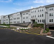 Colonial Pointe Welcomes First Residents September 22, 2016The high-tech community, which is over 30 percent leased, has attracted residents of all lifestyles.