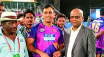 MS Dhoni backed Ashok Dinda had David Warner in swing