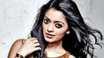 Why is Vidhi Madhi Ultaa special for Janani Iyer?