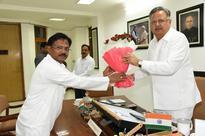 Odisha BJD MP meets Chhatisgarh CM Raman Singh