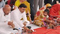 UP: Akhilesh launches pension, food schemes for labourers