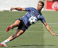 Ballon d'Or in play as Ronaldo bears down on Messi