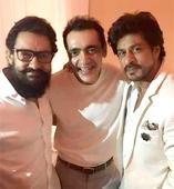 Check out: Aamir Khan and Shah Rukh Khan pose for a selfie together