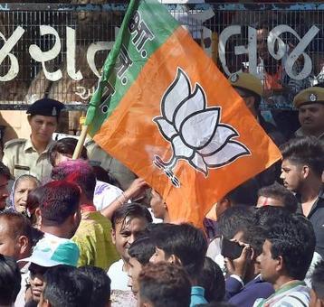 BJP announces candidates for Gorakhpur, Phulpur LS bypolls