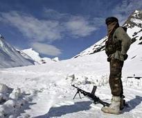 Indian Army celebrates International yoga day at Siachen