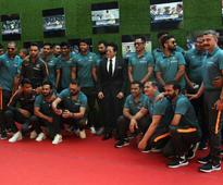 Team India take off after watching 'Sachin: A Billion Dreams'
