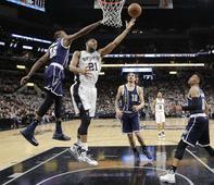 Aldridge takes Spurs to  win over Thunder, 124-92