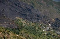 INCENDIOS GALICIA - Galicia mantiene tres incendios activos a primera hora de la tarde