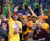 2016 WNBA champions couldn't make it to the White House, so Obama sent them a letter instead