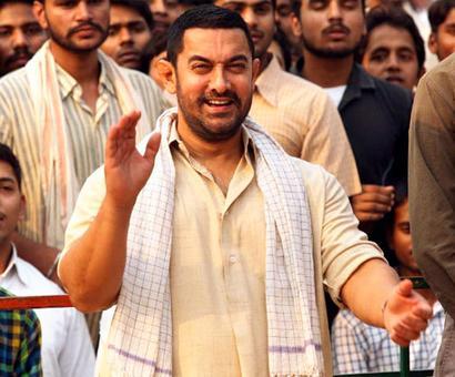 What do Aamir, Akshay know that SRK, Salman don't?