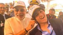 Modi pulls 'proud' Akshay Kumar's son's ear