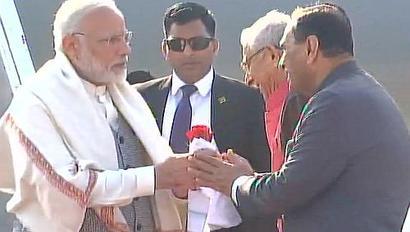 PM arrives in Ahmedabad to receive Netanyahu
