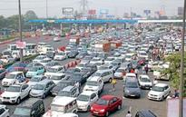 Traffic at DND as private cab owners go on s...