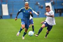 FÚTBOL AMISTOSO - 2-0. El Celta cierra su gira uruguaya con una derrota ante el Nacional de Montevideo