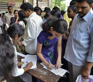 Colleges see mad rush for science, commerce courses