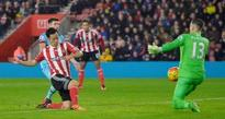Southampton hold on to edge West Ham
