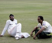 'Horsing around': Shoaib Akhtar laughs off 'brother' Bhajji's claims that he beat him up