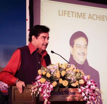 Shatrughan roots for Lalu, Kejriwal; BJP leader calls him 'gaddar'