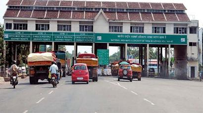 E-toll collection on highways hits the fast lane