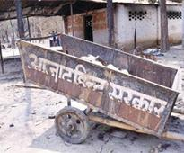 Mathura: Akhilesh transfers senior SP, collector as pressure mounts