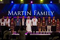 Philippine bishops bestow awards on poor Catholic families