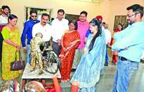Chief Comm IT inaugurates painting exhibition 'Studio Rang by Swati'