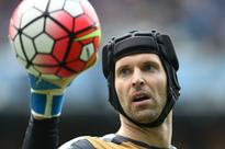 Cech breaks Czech cap record