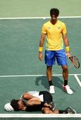 Brazilian crowd boo German tennis star Dustin Brown and cheer his suffering at Rio Olympics