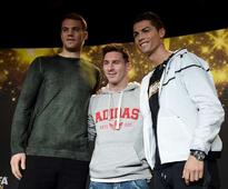 6 footballing personalities who did not vote for either Cristiano Ronaldo or Lionel Messi in the FIFA Best Player Award