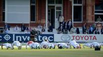 England v Pakistan: Pakistanis celebrate Lord's win with push-ups and military salute