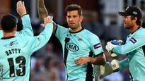 Dernbach signs new Surrey contract