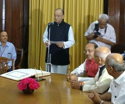 Arun Jaitley takes oath for new Rajya Sabha term