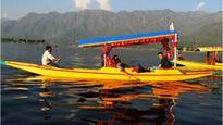 Srinagar: 'Shikara' capsizes; boatman drowns after saving three tourists