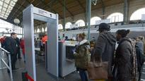 Guards allowed to shoot on France trains 10hr