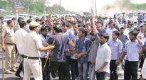 Traffic snarls in Delhi, Gurgaon as protesting cab drivers block NH-8