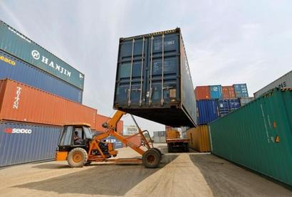 Prabhu's new trade policy mum on achieving exports target