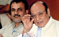 Speculation of Vaghela leaving Congress as he skips meeting with Rahul