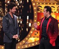 Bigg Boss 10: When Chulbul Pandey Salman Khan interrogated Raees Shah Rukh Khan