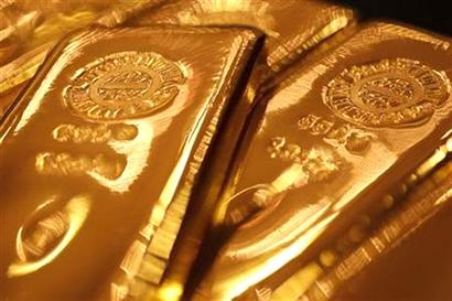 Gold imports halve in Jan-Jun