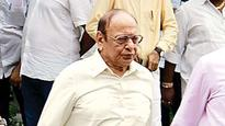 Shankersinh Vaghela fails to keep his word, doesn't vote for Ahmed Patel