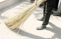 Mayor steps in to spruce up city in RMC 'swachh' drive