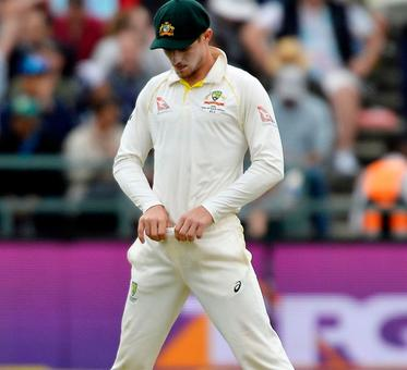 Bizarre ways of ball tampering: Mint, zipper, teeth and now sandpaper