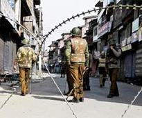 Srinagar: Curfew imposed following death of youth in CRPF firing