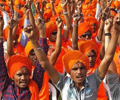 Let next Prez be 'Hindutva rubber stamp': Sena
