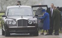 Queen Elizabeth makes first appearance after heavy cold